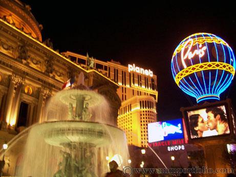 Las Vegas Hotels - Paris Hotel & Casino: Fountain & Montgolfier Balloon