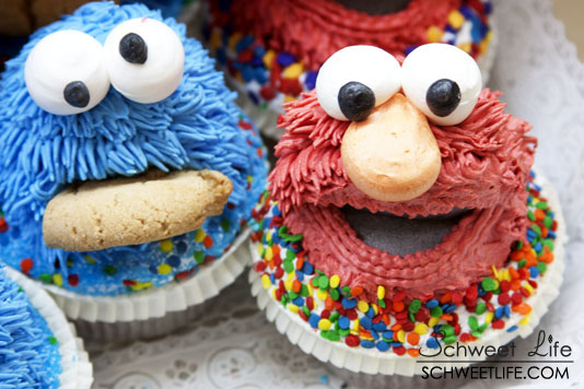 Cookie Monster And Elmo Cupcakes - Cookie Clicker