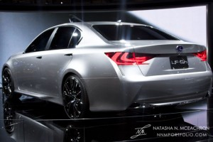 NY Car Show 2011 - Lexus LF-Gh (Rear View)